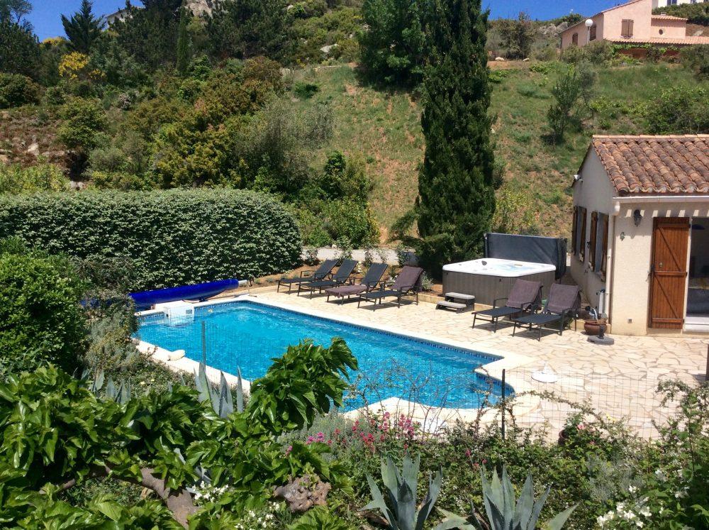 104 Zwembad en tuin